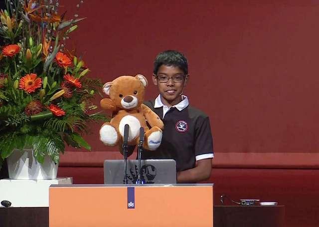 Un niño de 11 años se desempeña como un brillante hacker